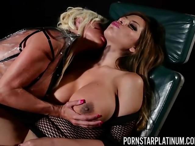 Mest populära lesbisk porr filmer - lesbisk sex videor